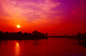 Flickr_-_law_keven_-_A_Rare_London,_'Summer'_Sunset